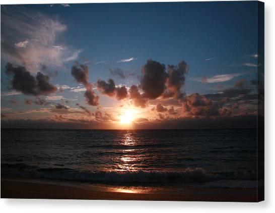 Ma'ili Sunset Canvas Print