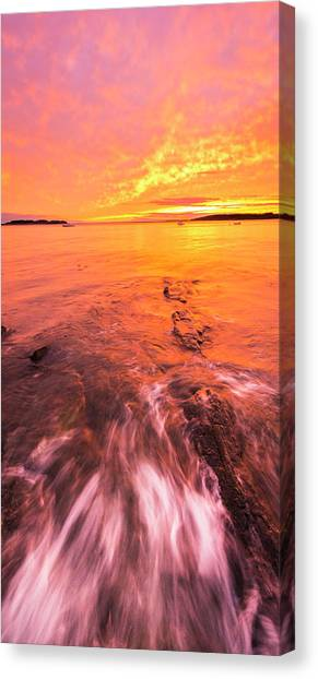 Maine Rocky Coastal Sunset At Kettle Cove Canvas Print