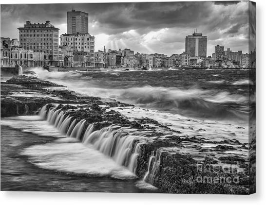 Malecon De Seda Canvas Print