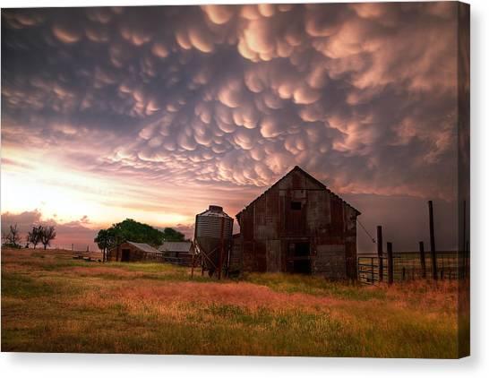 Barn Storm Canvas Print - Mammatus Kansas by Thomas Zimmerman
