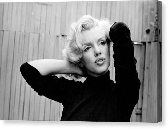 Marilyn Monroe Canvas Print - Marilyn Monroe by Maye Loeser