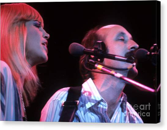 Mary Travers And Peter Yarrow Canvas Print