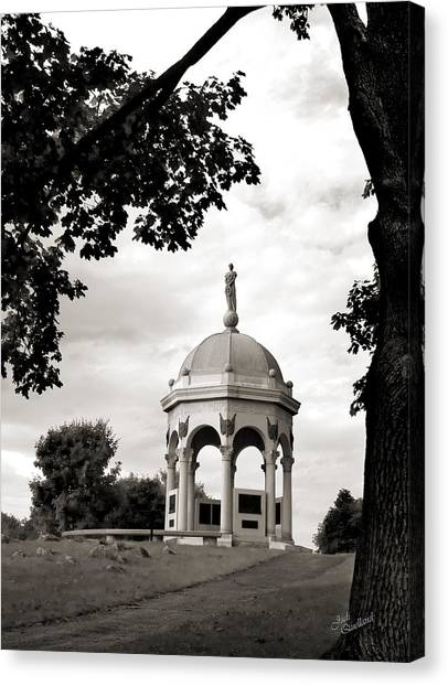 Maryland Monument Black And White Canvas Print