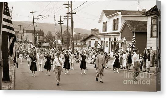 Memorial Day Parade Ashley Pa With Train Station And The Huber Colliery In Background 1955 Canvas Print