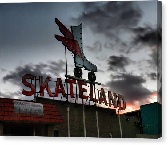 Canvas Print featuring the photograph Memphis - Skateland 001 by Lance Vaughn