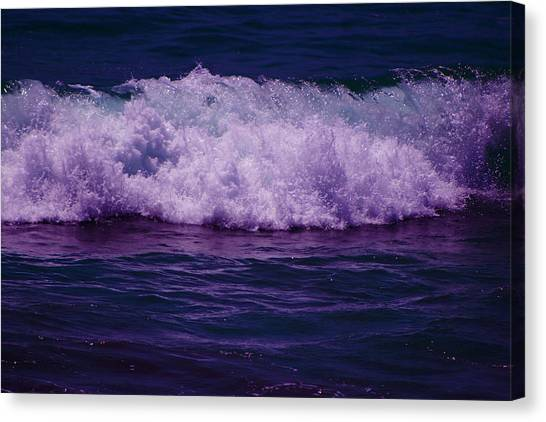 Midnight Ocean Wave In Ultra Violet Canvas Print