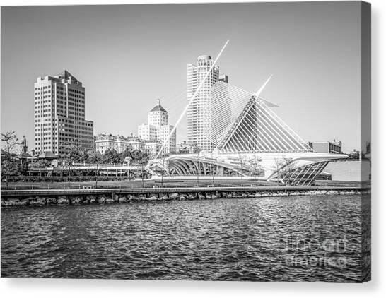Northwestern University Canvas Print - Milwaukee Skyline Photo In Black And White by Paul Velgos