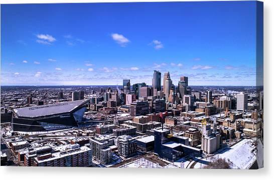 University Of Minnesota - Twin Cities Canvas Print - Minneapolis Skyline On A Sunny Day by Gian Lorenzo Ferretti
