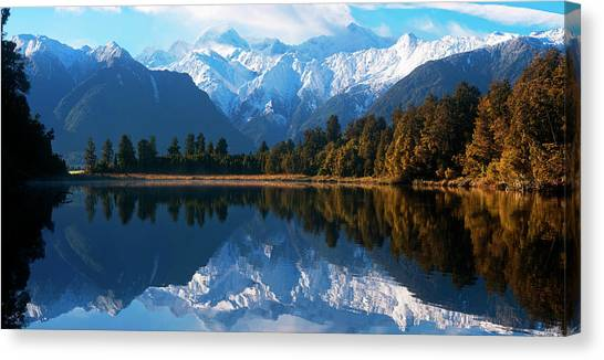 Mist Over Lake Matheson Canvas Print