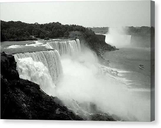 Mistical Niagara Falls Canvas Print