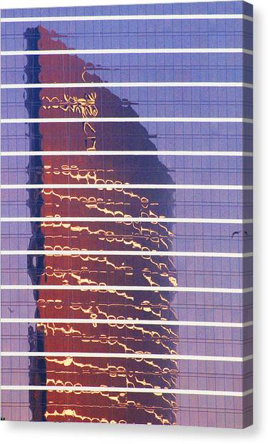 Modern Reflections In Sin City Canvas Print by Richard Henne