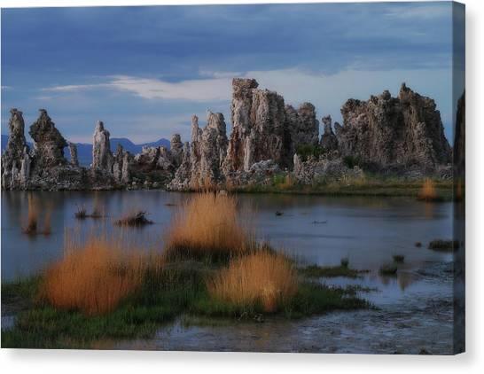 Mono Lake Tufas Canvas Print