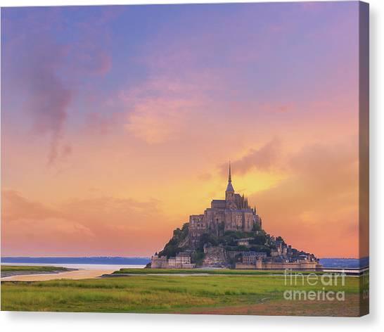 Mont-saint-michel At Dawn Canvas Print
