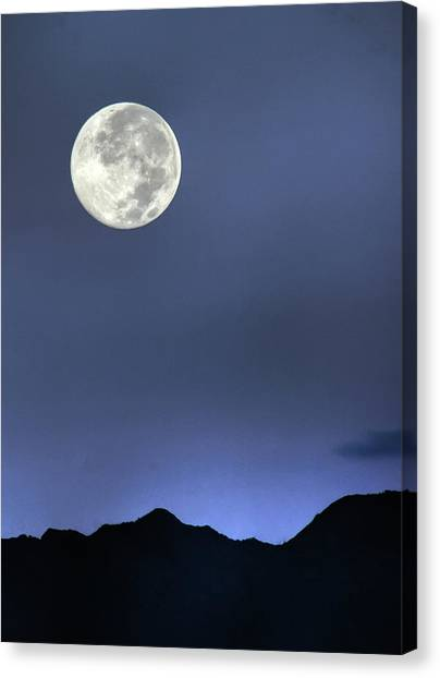 Moon Over Ko'olau Canvas Print