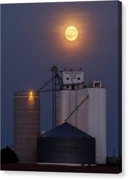 Moonrise At Laird -02 Canvas Print