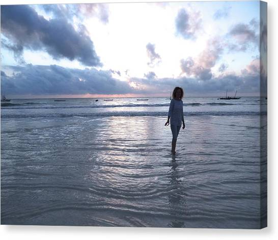 Exploramum Canvas Print - Morning Beach Walk by Exploramum Exploramum