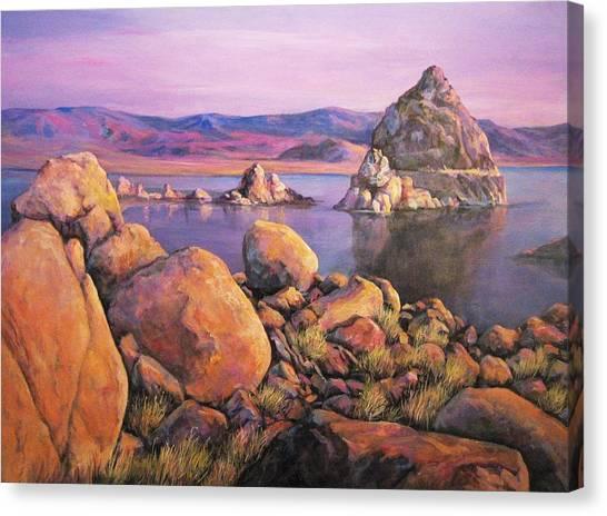 Morning Colors At Lake Pyramid Canvas Print