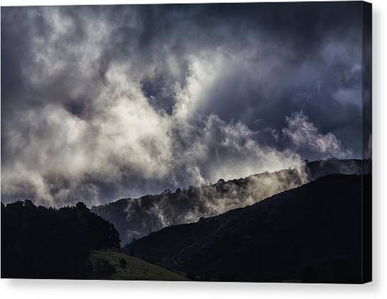 Morning Fog,mist And Cloud On The Moutain By The Sea In Californ Canvas Print