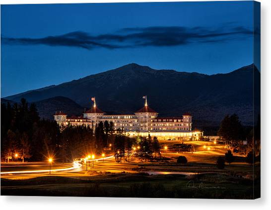 Mount Washington Hotel 9068 Canvas Print