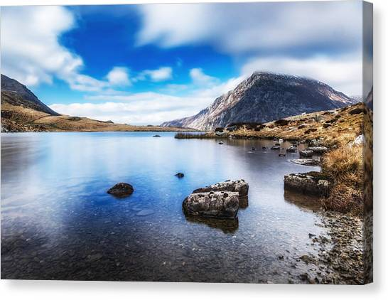 Canvas Print featuring the photograph Mountain View by Nick Bywater