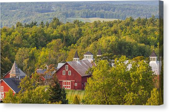 Mt View Farm In Summer Canvas Print