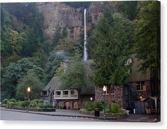Multnomah Falls Lodge Morning Canvas Print