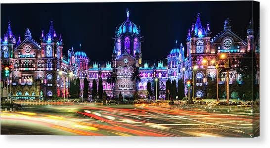 Canvas Print featuring the photograph Mumbai Moment by Dan McGeorge