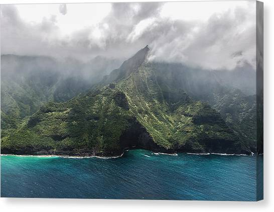 Napali Coast In Clouds And Fog Canvas Print