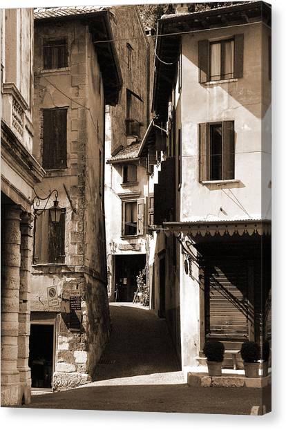 Narrow Streets Of Asolo Canvas Print