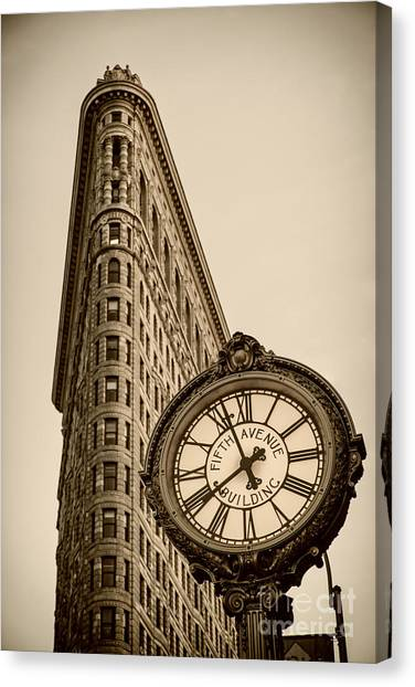 Canvas Print featuring the photograph New York Flatiron by Juergen Held