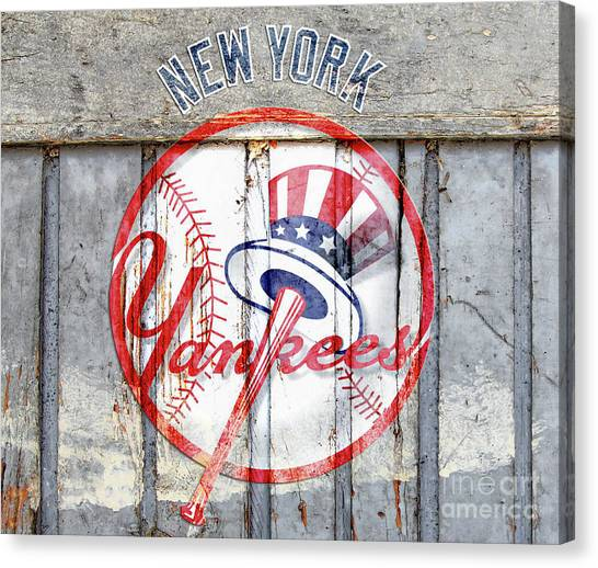 New York Yankees Top Hat Rustic Canvas Print