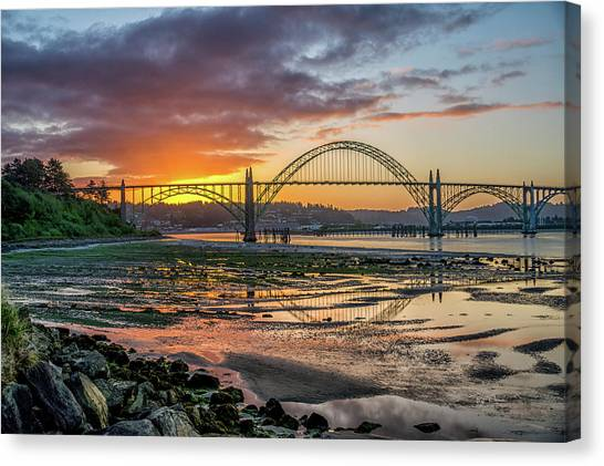 Newport Or Greeting Canvas Print