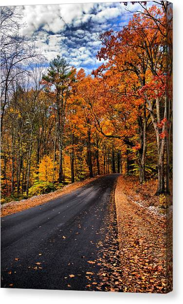 Nh Autumn Road 3 Canvas Print