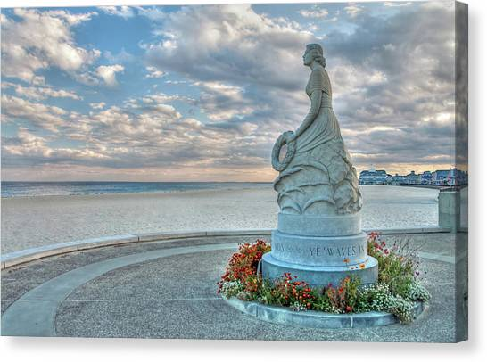 New Hampshire Marine Memorial Canvas Print