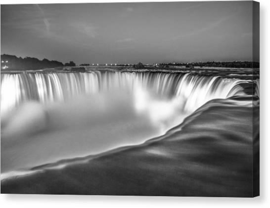 Niagara Falls In Black And White  Canvas Print