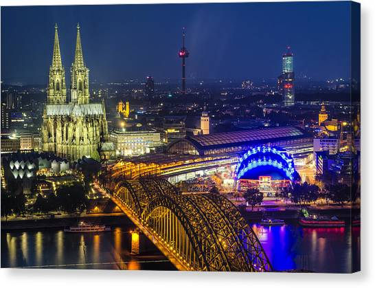 Night Falls Upon Cologne 2 Canvas Print