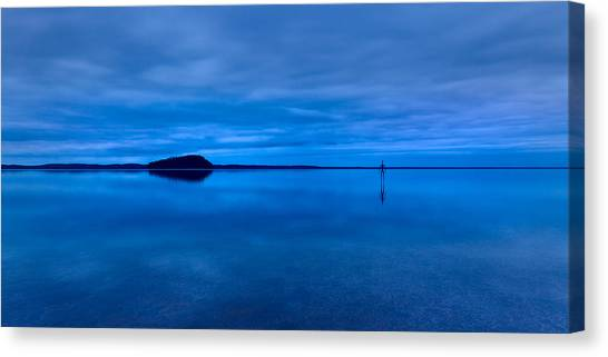 Canvas Print featuring the photograph Nightfall Over Lake Ballard by Julian Cook