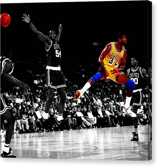 Larry Bird Canvas Print - No Look Pass 32 by Brian Reaves
