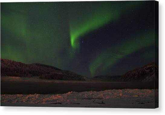 Canvas Print featuring the photograph Northern Yukon Lights 1 by Phyllis Spoor
