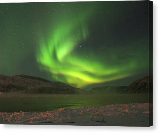 Canvas Print featuring the photograph Northern Yukon Lights 7 by Phyllis Spoor