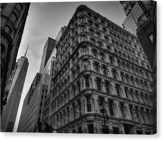 Nyc - Lower Manhattan 002 Bw Canvas Print by Lance Vaughn