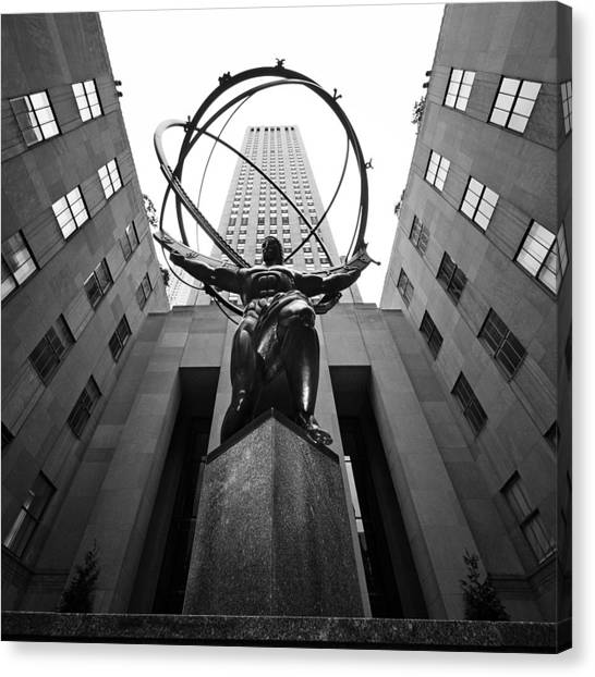 Central Park Canvas Print - Nyc Rockefellar Center by Nina Papiorek