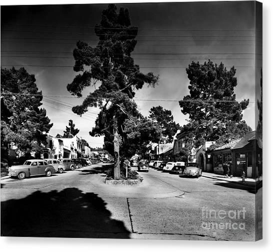 Ocean Avenue At Lincoln St - Carmel-by-the-sea, Ca Cirrca 1941 Canvas Print