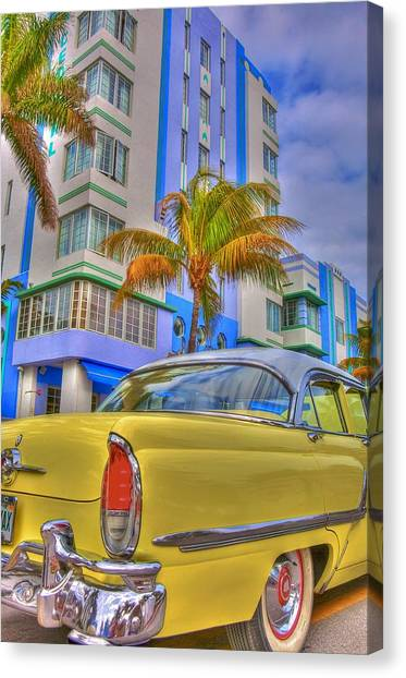 Ocean Drive Canvas Print by William Wetmore