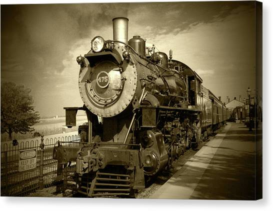 Old 475 - Bw Canvas Print