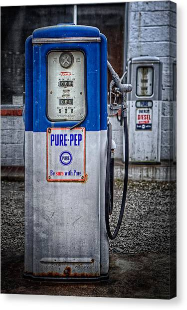 Old And Rusty  Pump  Canvas Print
