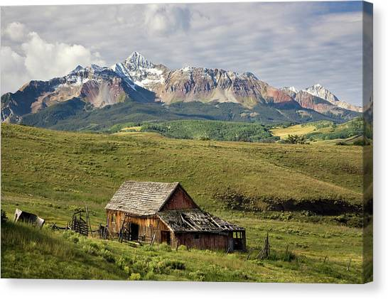 Old Barn And Wilson Peak Horizontal Canvas Print