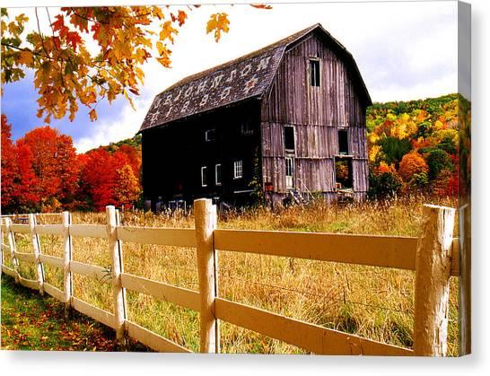 Old Barn In Autumn Canvas Print