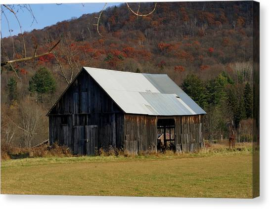 Old Barn In Fall Canvas Print by Lois Lepisto