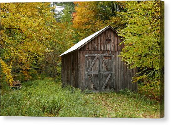 Old Barn New England Canvas Print